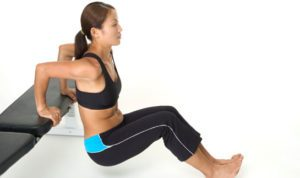 10 Best Bodyweight Triceps Exercises women bench